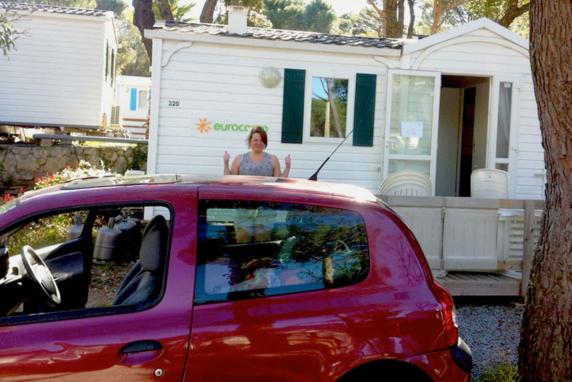 camping-courier-with-accomodation-on-la-baume-