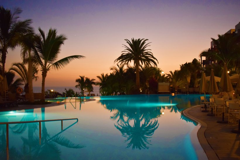 nightime pool photo of the roca nivaria hotel