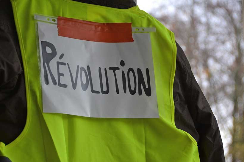 yellow-vest-with-revolution-written-on-it