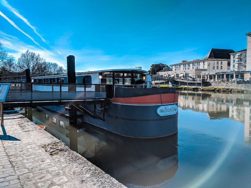 le-batia-in-saintes-france-le-batia-floating-restaurant-on-the-charente-river-what-to-do-in-saintes-post
